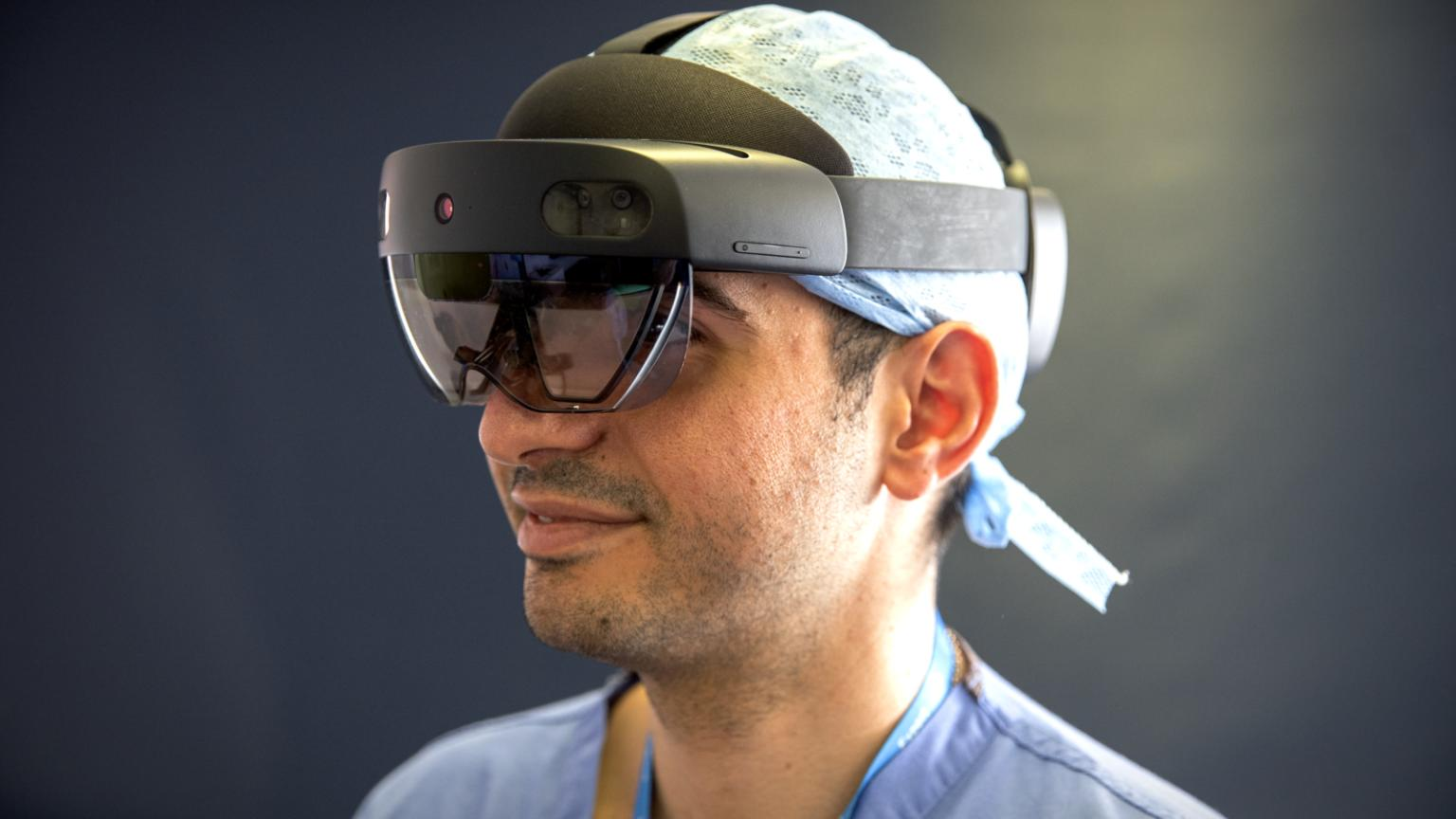 2-hololens_direct_care.jpg